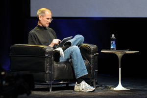1024px-Steve_Jobs_at_Apple_iPad_Event